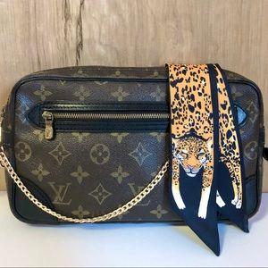 💯% Louis Vuitton Wristlet Shoulder Bag
